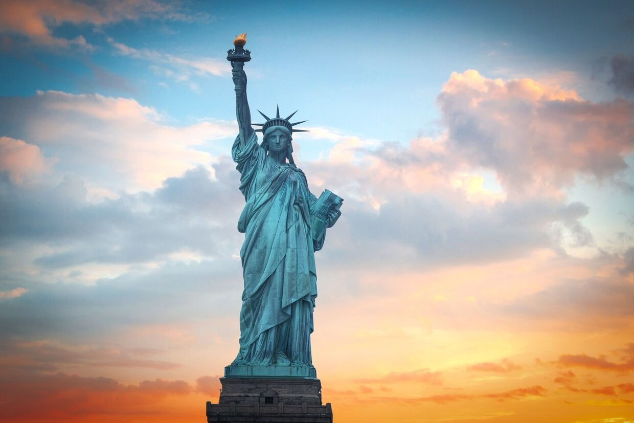 What does the statue of liberty symbolize familyeducation biocorpaavc