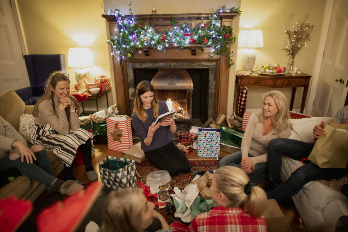 5 Christmas Gift Exchange Ideas For Big Families Familyeducation