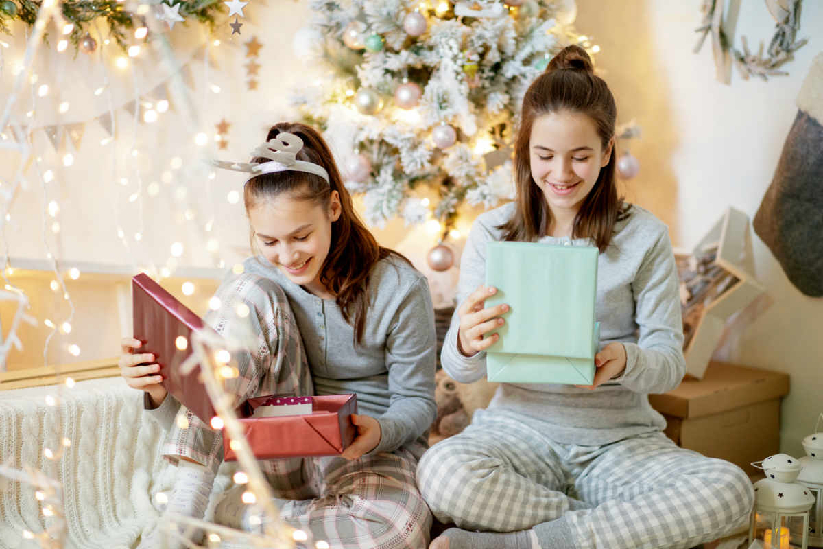 8 Christmas Gift Ideas For 13 Year Old Girls Familyeducation