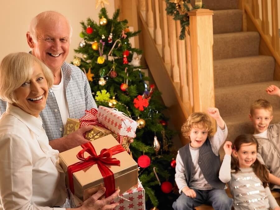 Поздравление на новый год внукам от дедушек и бабушек