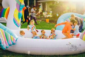 Danielle Busby from TLC's Outdaughtered Keeps Her Girls Learning All Summer