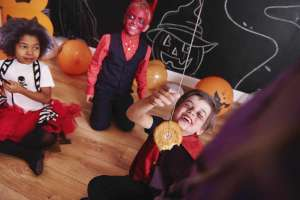 13 freakishly fun Halloween party games