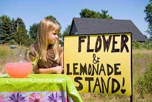 SummerSurvivalTips,GirlSellingLemonadeatStand