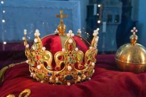 Homemade Crown Activity for Kids