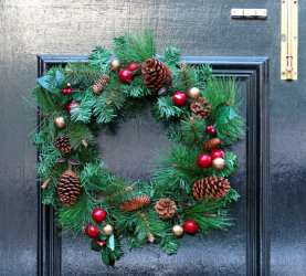 Paper Holiday Wreath Activity for Kids