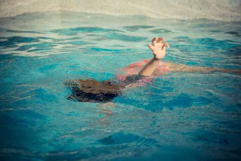 Reviving A Drowning Victim Using First Aid Familyeducation