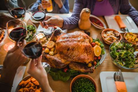 5 Thanksgiving Dinner Table Topics That Dont Involve Politics