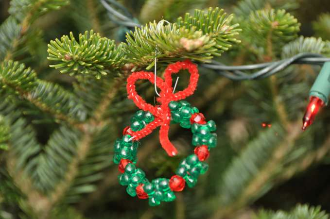DIY beaded Christmas ornament