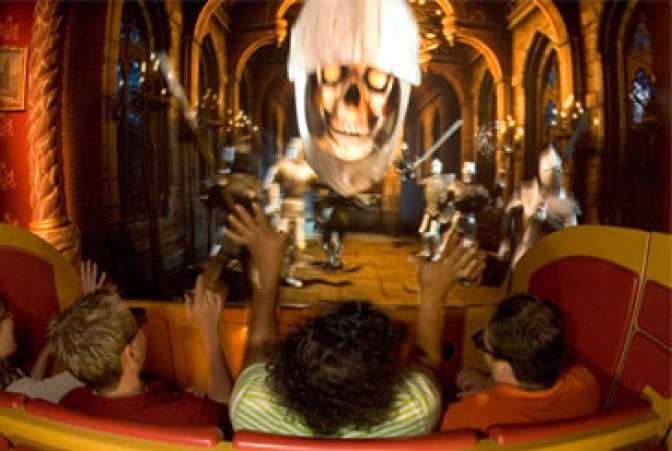 Curse of DarKastle (Busch Gardens, Williamsburg, VA)
