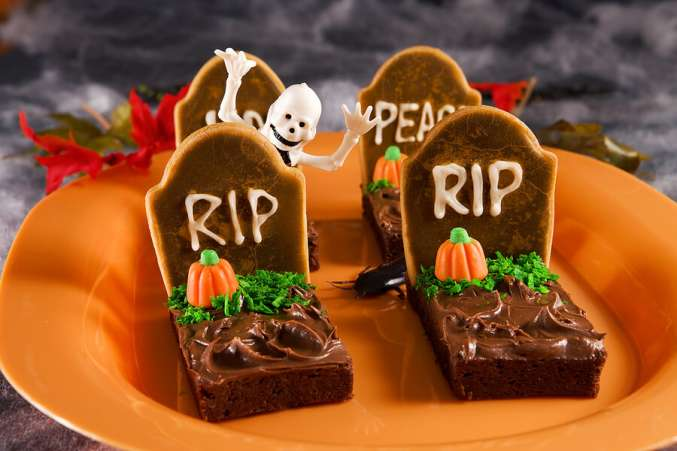 Halloween candy leftovers, Halloween baked goods using leftover candy