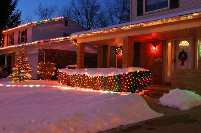 House decorated in Christmas light