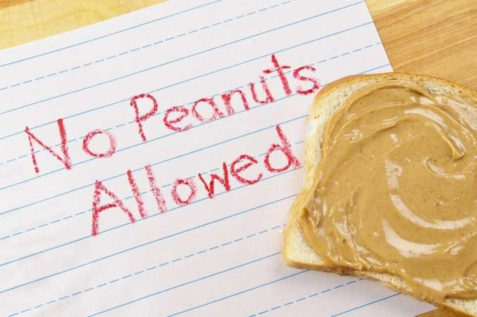 No peanuts allowed sign