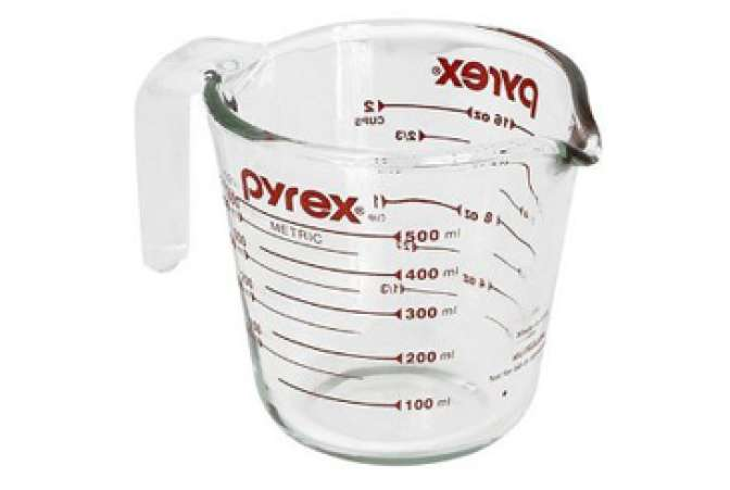 Made in the USA, Pyrex glass measuring cup