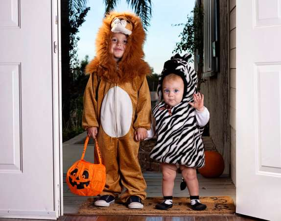 Halloween safety tip, children in safe Halloween costumes