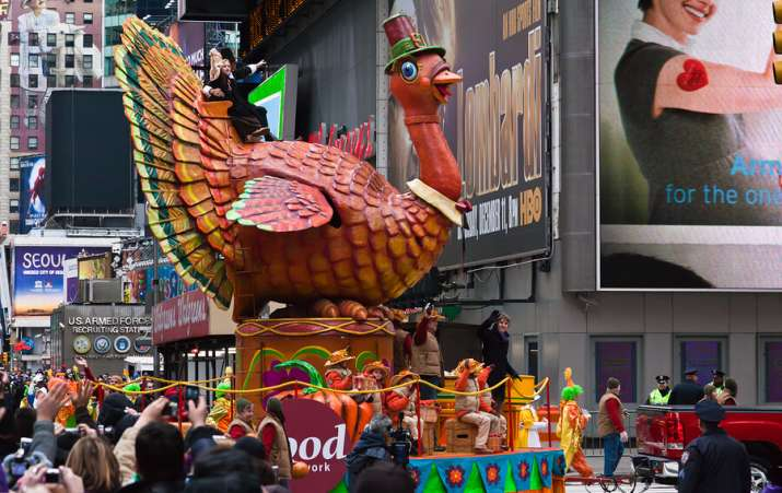 Thanksgiving family activities, Macys parade