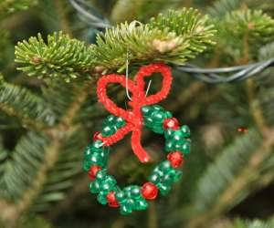 homemade beaded wreath Christmas ornament