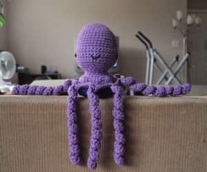 crocheted octopus for premature babies