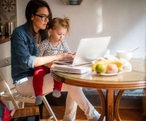 working moms face an even bigger pay gap than single women