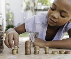 The Benefits of Paying Your Kids an Allowance