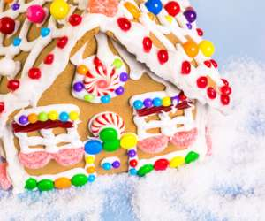 Easy Gingerbread House for Kids